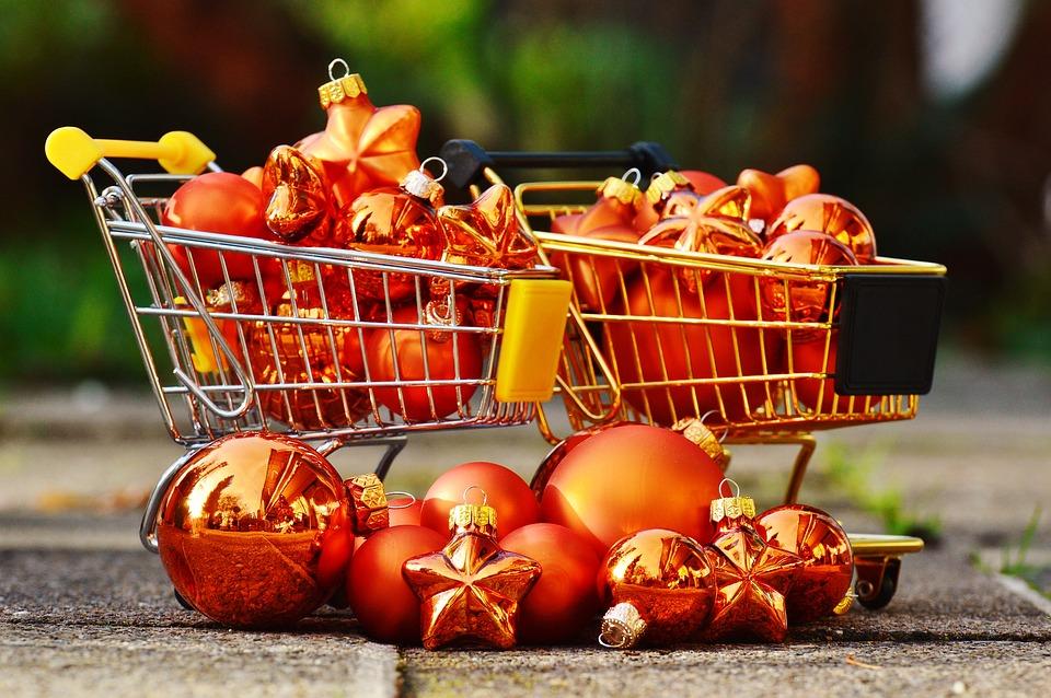 christmas-shopping-1088239_960_720