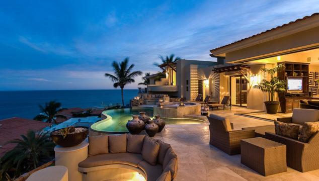 Top 3 reasons to choose Cabo San Lucas Villas this summer